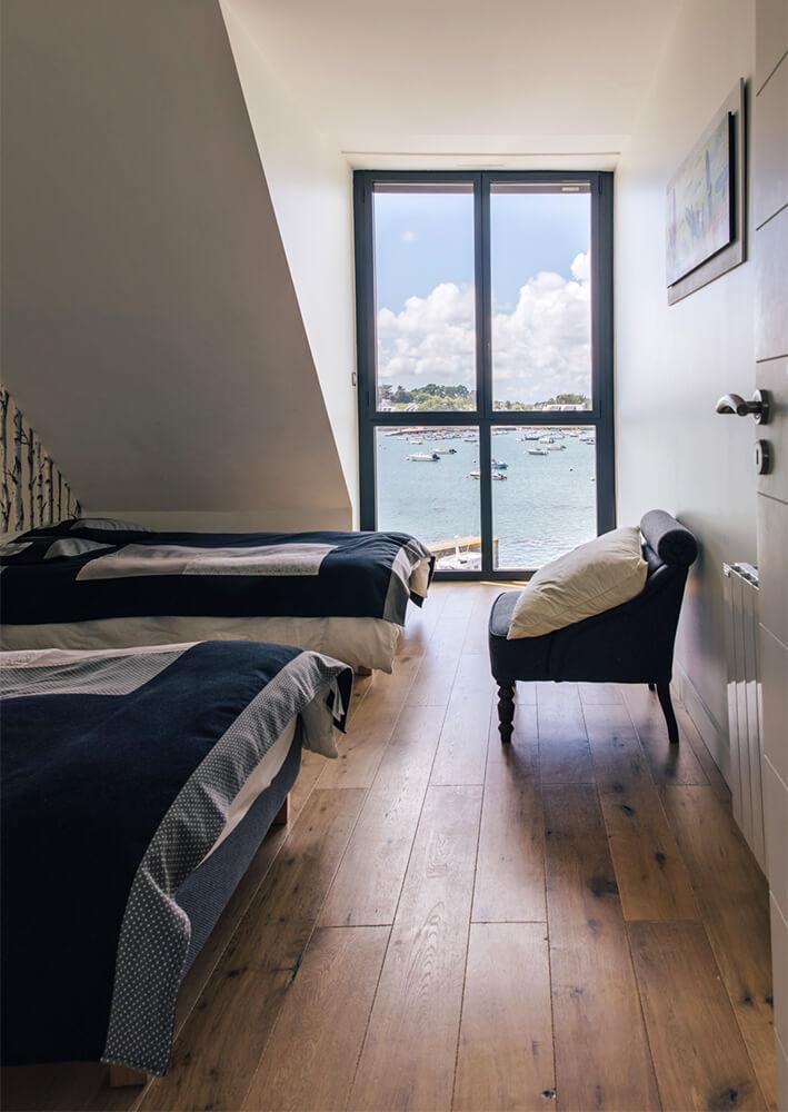 Chambre avec 2 lits simples vue mer