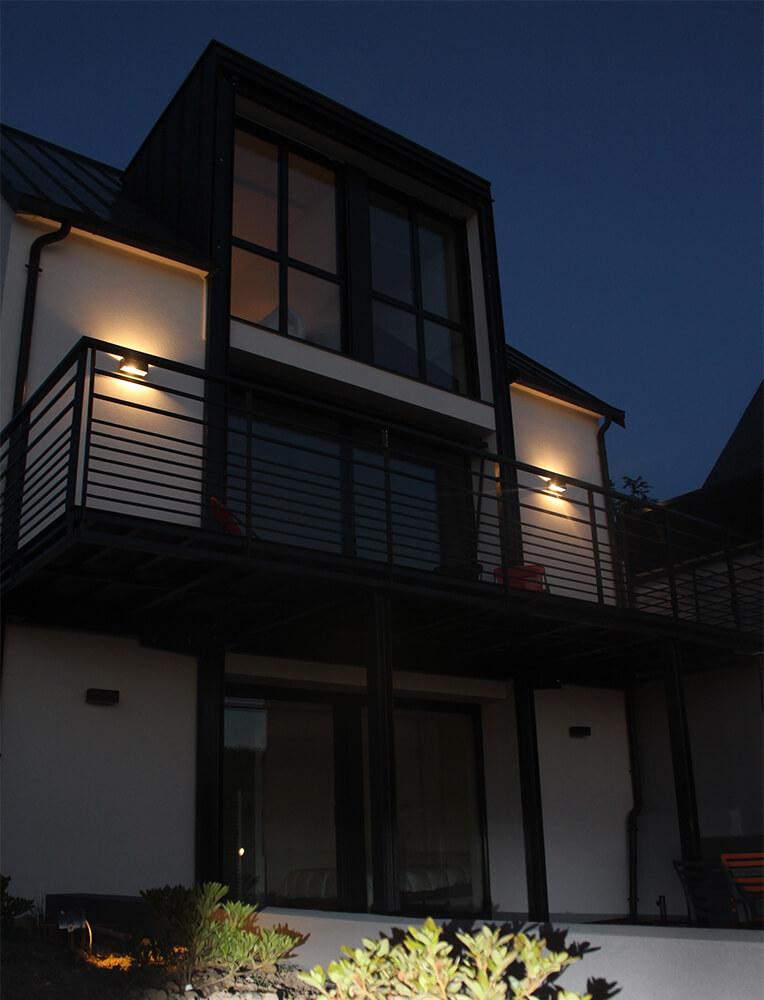 La Villa sur la Mer la nuit